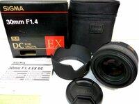 シグマ30mm f1.4 DC HSM EX